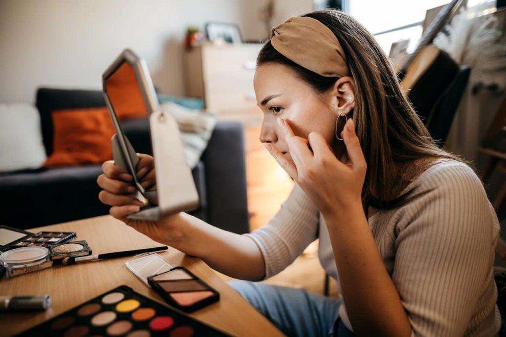 Maquiagem na quarentena. Treinando novas técnicas
